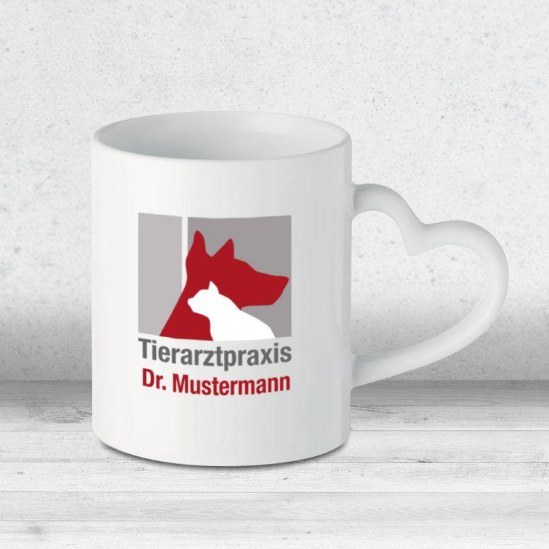 Tasse Tierarztpraxis Herzhenkel mit Logo