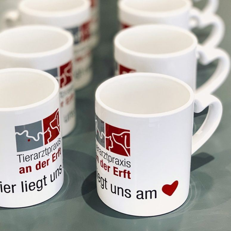tassen_tierarztpraxis_mit_logo